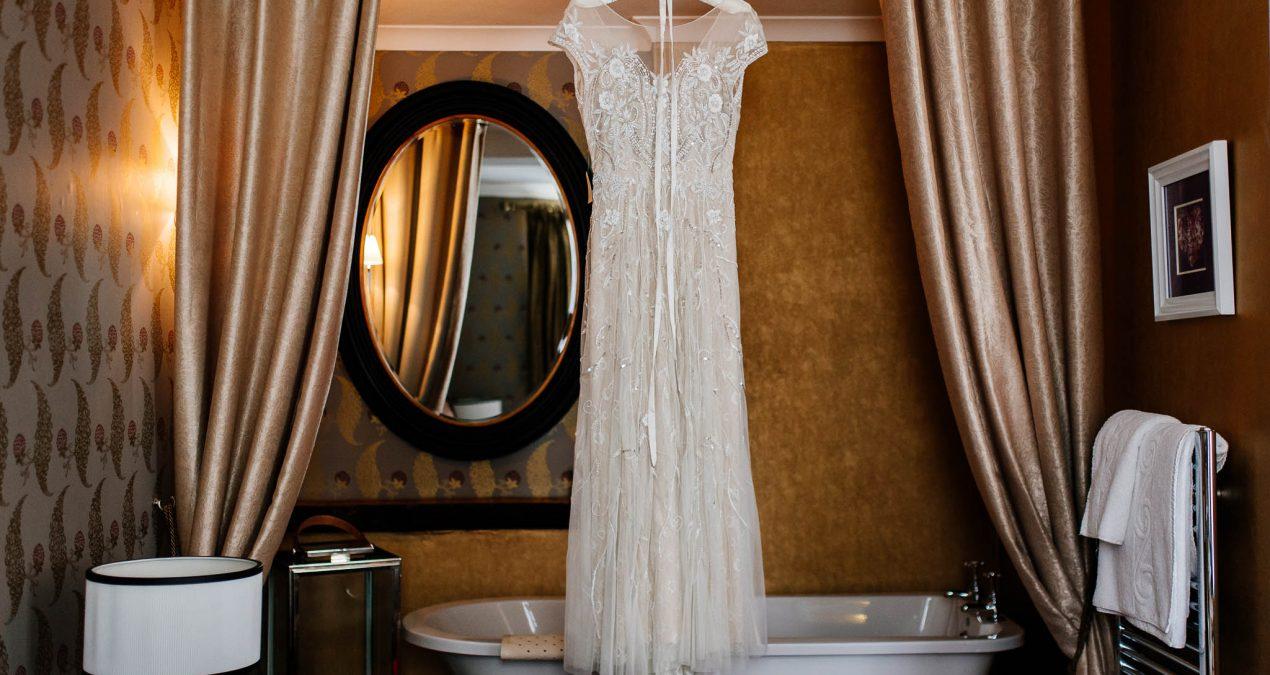 Choosing a custom made wedding gown